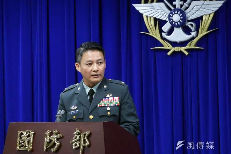 政戰局文宣心戰處長樓偉傑少將17日宣布,國防部將設置黑鷹失事事件紀念專區。(蘇仲泓攝)