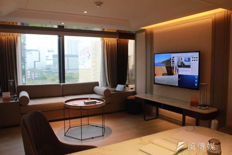 台北市副市長黃珊珊上午出席北市第3間防疫旅館瀚寓酒店上線記者會,此房一天8500元。(方炳超攝)