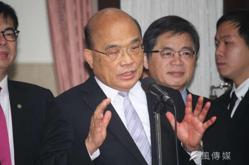 行政院長蘇貞昌20日赴立法院施政報告總質詢,並於會前受訪談及新冠肺炎疫情相關議題。 (蔡親傑攝)