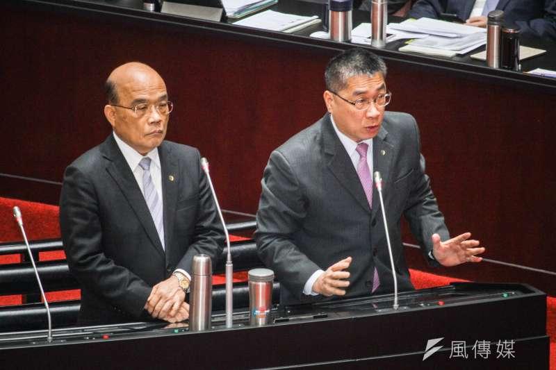 行政院長蘇貞昌(左)與內政部長徐國勇(右)關係惡劣,在政界不是秘密。(資料照,蔡親傑攝)
