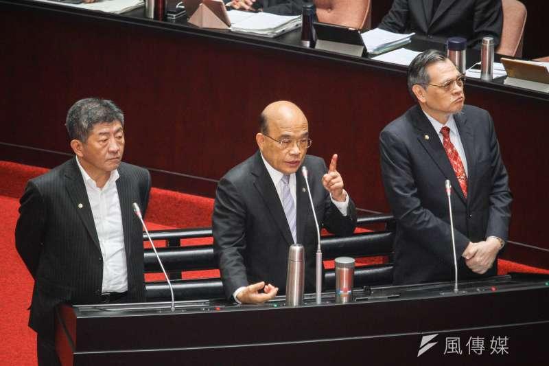 行政院長蘇貞昌立法院備詢,左為衛福部長陳時中,右為陸委會主委陳明通。 (蔡親傑攝)