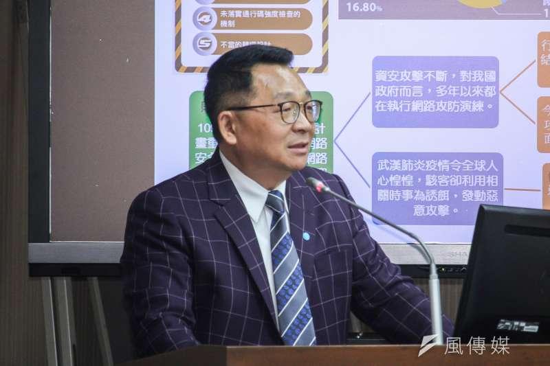 20200323-立委陳歐珀23日赴立法院交通委員會質詢。 (蔡親傑攝)