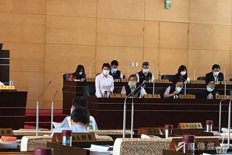 台中市長盧秀燕在議會臨時會表示,北屯區國民運動中心已經規劃設置滑冰場。(圖/記者王秀禾攝)
