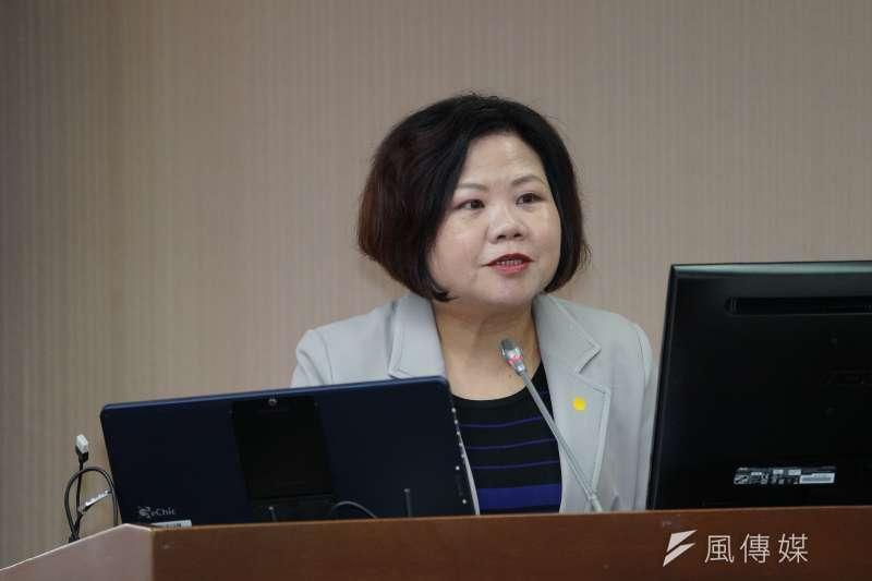 針對疫情因應措施,勞動部長許銘春25日於衛環委員會備詢。(盧逸峰攝)
