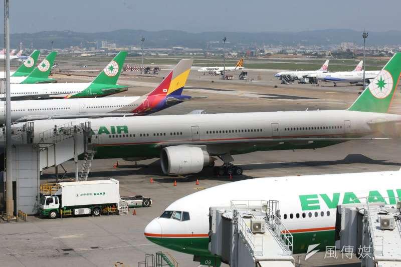 全球新冠肺炎疫情未歇,航空業2020年虧損超過千億美元,成為指標性疫情「慘業」。示意圖,與新聞個案無關。(資料照,柯承惠攝)