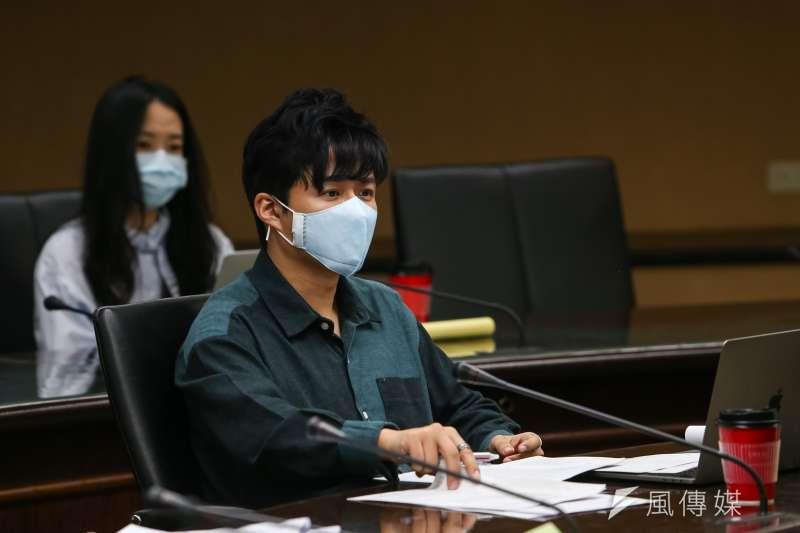 20200327-大恆國際法律事務所長李荃和27日出席中選會「人工流產思考期」聽證會。(顏麟宇攝)