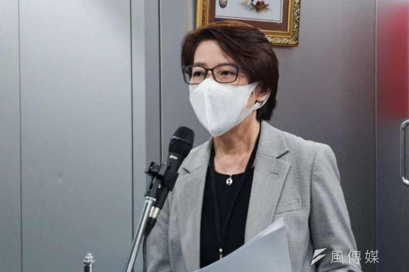 台北市政府27日上午召開例行防疫會報,副市長黃珊珊會後出面說明開會狀況。(方炳超攝)