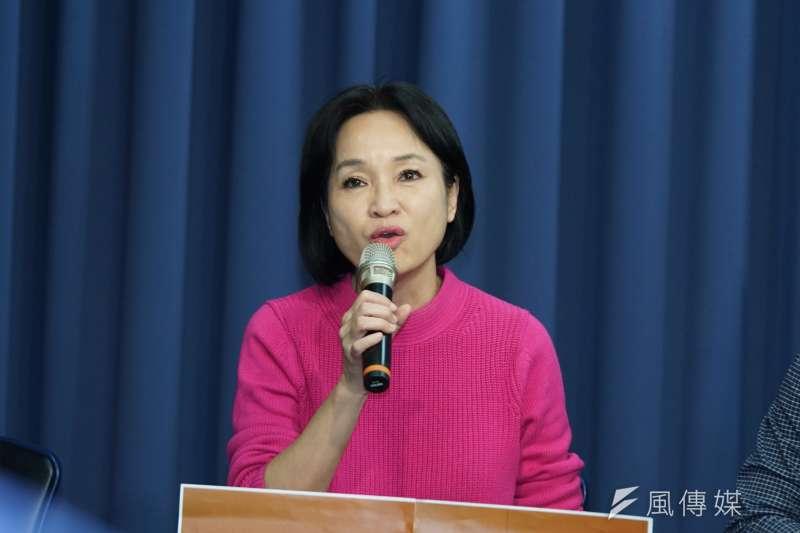 20200329-國民黨29日召開「十八要解禁,世代更靠近」記者會,副秘書長柯志恩發言。(盧逸峰攝)
