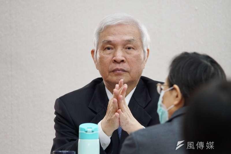 央行總裁楊金龍(見圖)證實,有6家外銀與8家糧商從事新台幣衍生性商品交易。(資料照,盧逸峰攝)