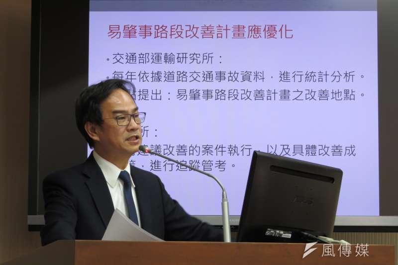 立法委員李昆澤在立院交通委員會提出質詢,108年高雄交通事故死亡人數增加71人,要求交通部提供改善策略。(圖/徐炳文翻攝)