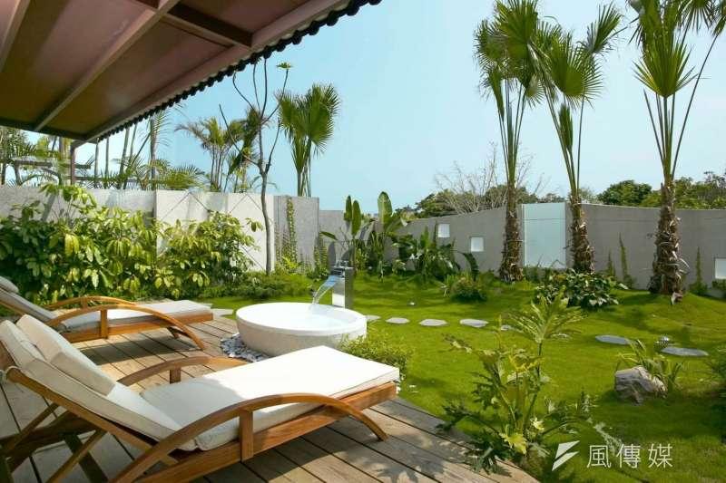 會館獨立Villa,讓人不必出國也彷彿身在海島渡假村。(圖/業者提供)