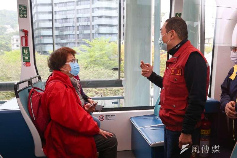 振興醫院急診重症醫學部主治醫師蔡賢龍6日指出,新冠肺炎確診的前3大症狀為發燒、咳嗽及喉嚨痛癢。示意圖。(資料照,顏麟宇攝)