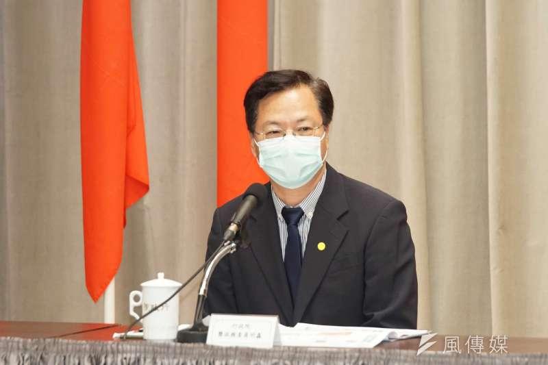 國發會主委龔明鑫表示,振興券將加碼。(資料照片,盧逸峰攝)