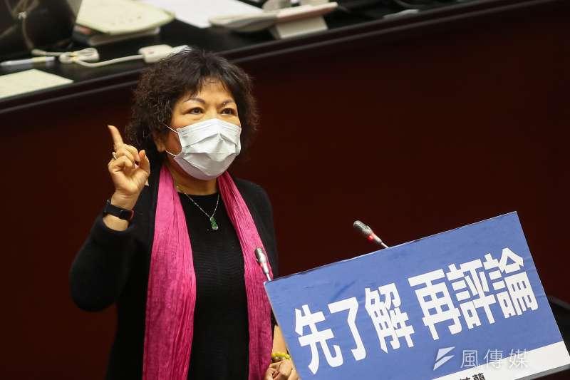 國民黨立委葉毓蘭(見圖)8日在立法院質詢時,表示自己嘗試使用氣炸鍋「炸」口罩,差點引發火警。(資料照,顏麟宇攝)