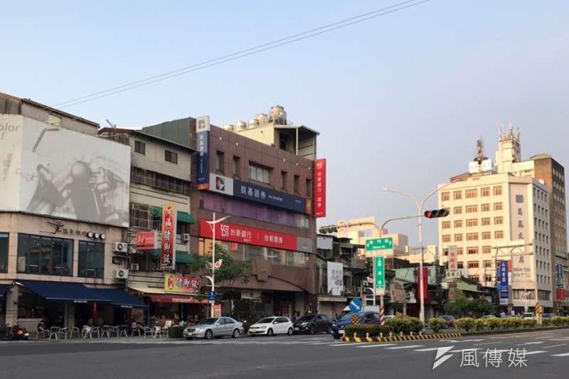 嘉義市垂楊路台新銀行店面以總價2.08億元成交。(圖/富比士地產王提供)