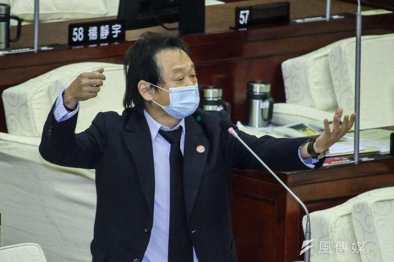 民進黨北市議員王世堅直指,全國公務人員協會榮譽理事長李來希污辱小燈泡和其母親,不但引起社會公憤,而且敲響了韓國瑜市長的喪鐘。 (資料照,蔡親傑攝)
