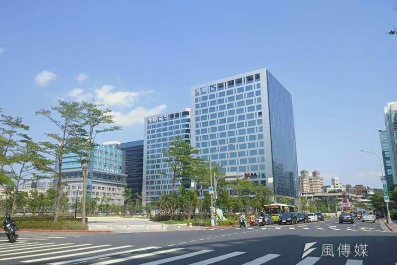 根據全國不動產企研室統計,台北市內湖科技園區廠辦去年交易亮眼,有賣家持有5年,獲利1億3613萬元。(圖/富比士地產王提供)