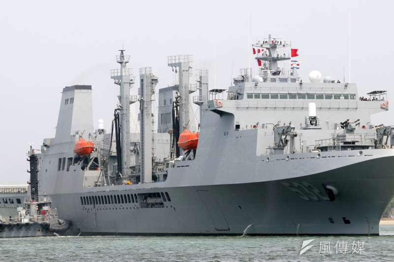 海軍油彈補給艦磐石號。(蘇仲泓攝)