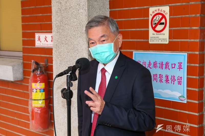 20200420-經濟部長沈榮津20日於立院接受媒體聯訪。(顏麟宇攝)