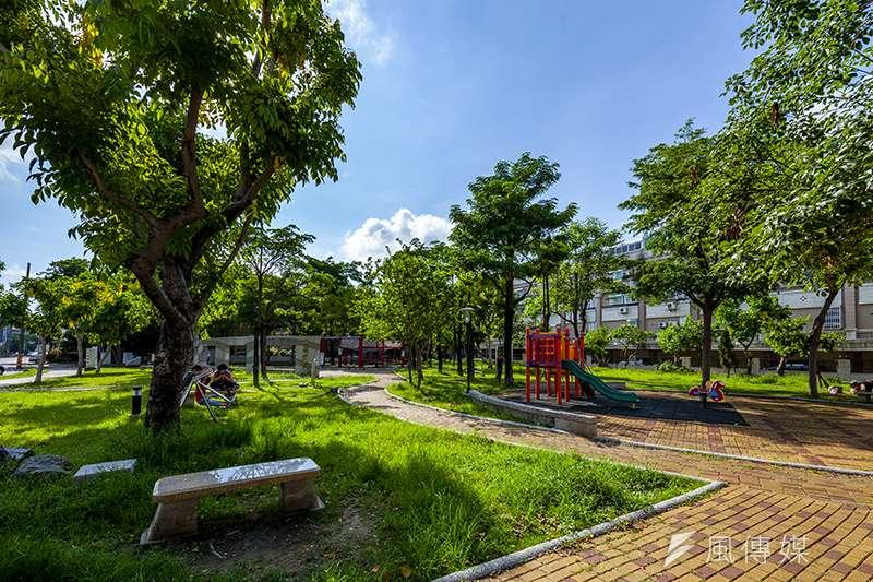 鄭仔寮重劃區綠地公園充足,環境優美 ,綠地的覆蓋率高於其他重劃區。(圖/富比士地產王提供)