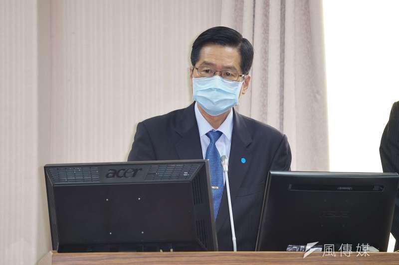 20200422-國防部長嚴德發22日出席國防委員會備詢。(盧逸峰攝)