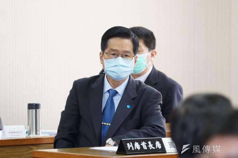 國防部長嚴德發(見圖)今(22)日出席國防委員會備詢,他表示,敦睦艦隊確實有去別的地方,很樂意到立法院進行機密報告。(盧逸峰攝)