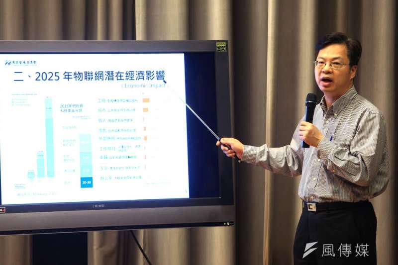 龔明鑫曾遭抱怨講政策數字太多了,很艱深,讓人看了很吃力。(新新聞資料照)