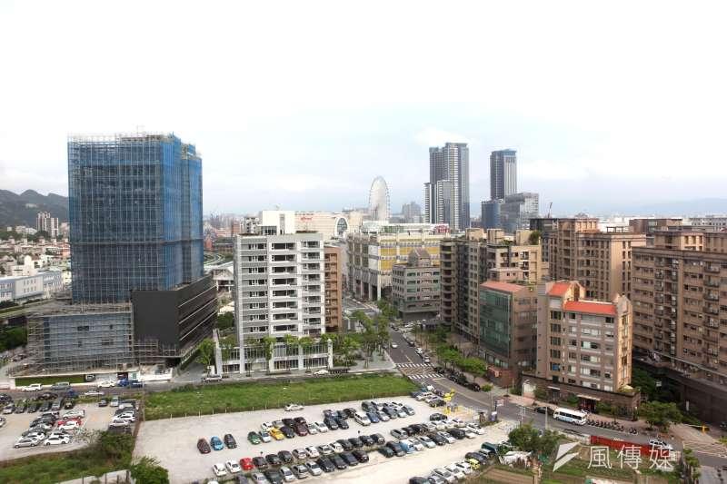 根據調查,台北市前十名大多為商業大樓、住商混合大樓林立的路段,除了交通條件優越外,外食族的需求也是大商機。(資料照,郭晉瑋攝)