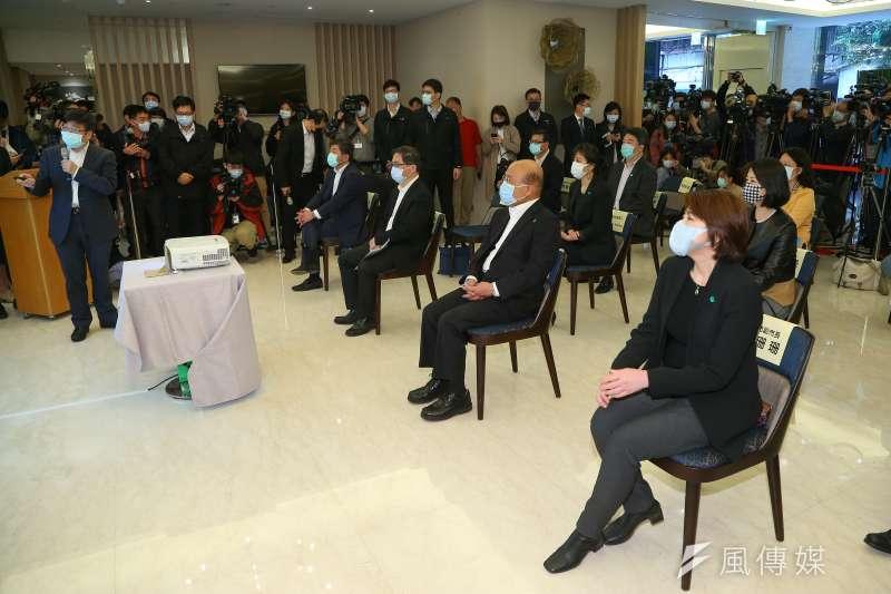 20200425-行政院長蘇貞昌、台北市副市長黃珊珊25日一同視察防疫旅館。(顏麟宇攝)
