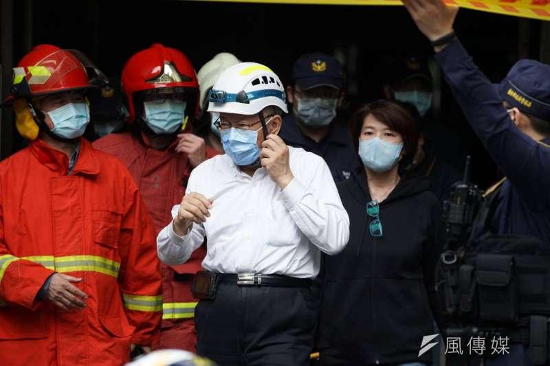 台北市林森北路錢櫃KTV26日上午近11時驚傳火警。台北市長柯文哲到場勘查。(盧逸峰攝)