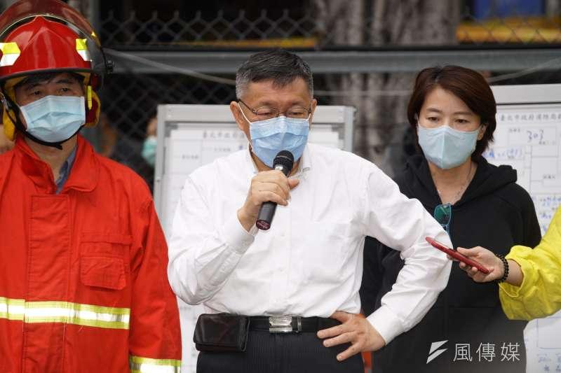 台灣民眾黨在今年立委選舉中順利進軍立法院,不過黨、黨團與台北市長柯文哲(中),卻經常在議題表態上不同調。(資料照,盧逸峰攝)