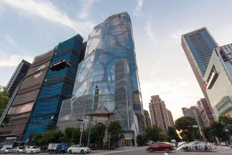 台中市七期商圈內辦公大樓,吸引金控、壽險都同步在此插旗。(富比士地產王提供)