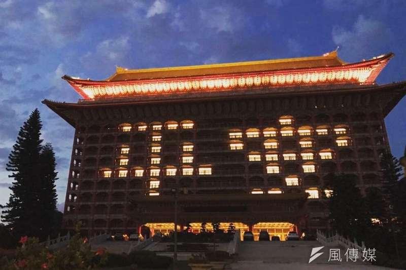 中華文化總會將在20日晚間舉辦「2020 Keep Zero, Be Hero用愛畫個圈」線上演唱會,向前線防疫人員、努力抗疫的國民表達感謝。屆時演唱會將從台北圓山大飯店開場(見圖)。(資料照,交通部提供)
