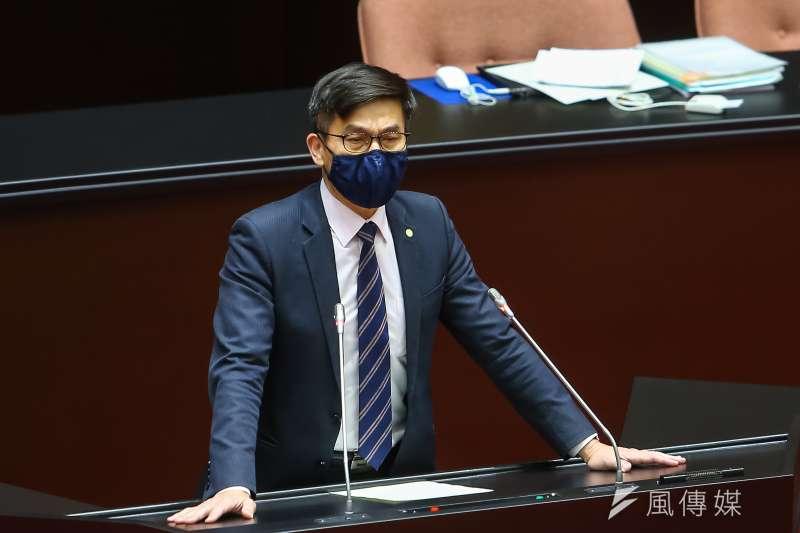 20200428-民進黨立委鍾佳濱28日於討論事項發言。(顏麟宇攝)