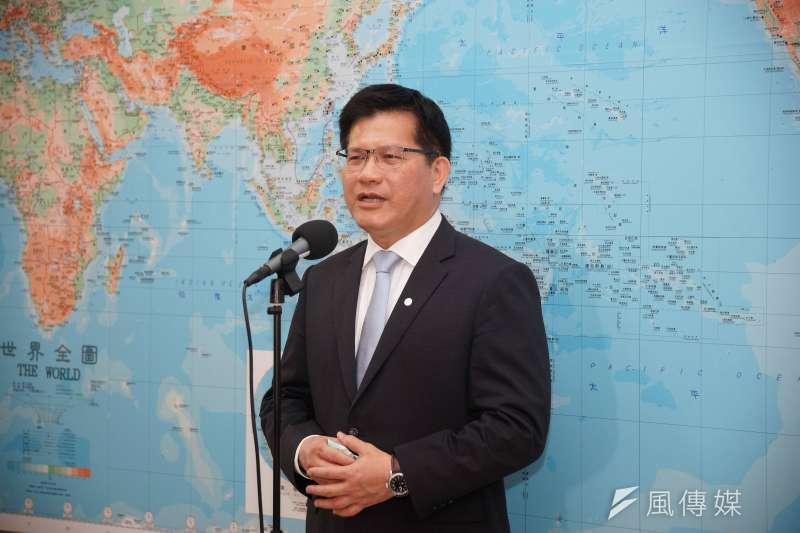 20200429-交通部長林佳龍29日前往立法院備詢,並受訪。(盧逸峰攝)