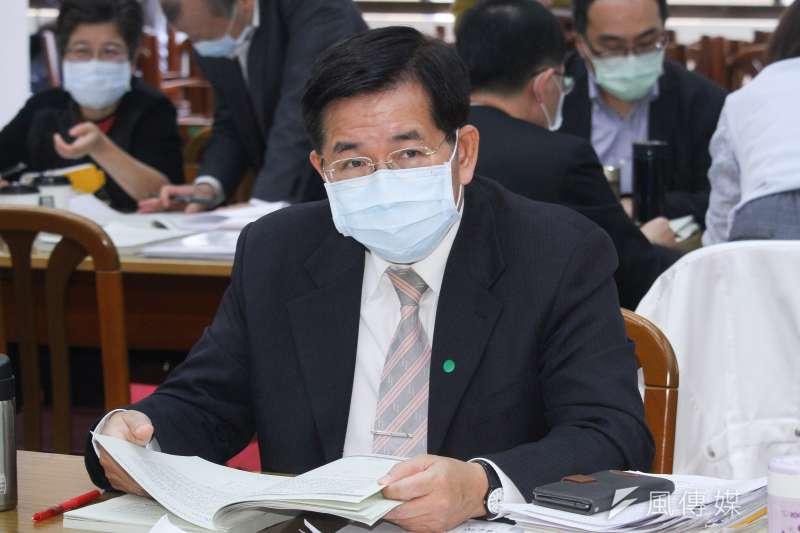 教育部長潘文忠表示,目前行政院已核定高中以下學校電力系統改善及冷氣裝設,預計2022年達成班班有冷氣的目標。(資料照,蔡親傑攝)