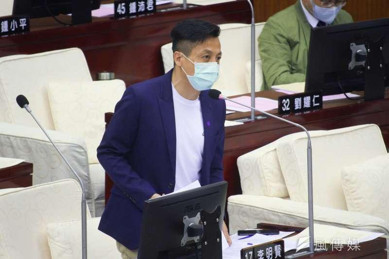 20200504-台北市議員李明賢於市議會進行質詢。(蔡親傑攝)