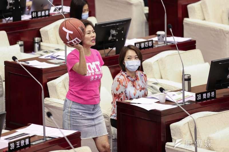 20200514-台北市議員汪志冰14日至市議會進行質詢。(簡必丞攝)