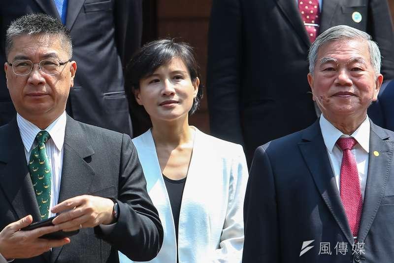 20200514-行政院14日內閣總辭,文化部長鄭麗君出席內閣閣員合影。(顏麟宇攝)