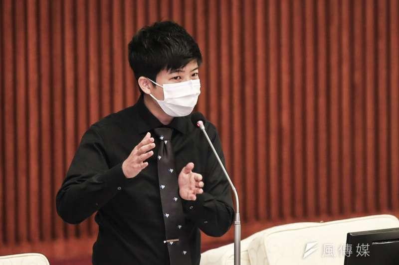社民黨台北市議員苗博雅(見圖)認為,專制政權和民主國家處理警察暴行的機制不同,散播「中共美國一樣爛」的言論很反智。(資料照,簡必丞攝)