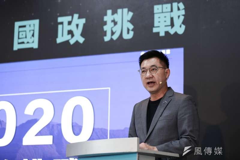 國民黨主席江啟臣15日主持「國政挑戰」記者會,並對總統蔡英文提出5問。(簡必丞攝)