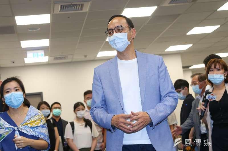 20200515-前台北市長朱立倫15日至星宇航空參訪。(顏麟宇攝)