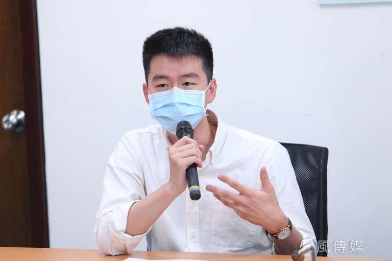 台灣民眾黨發言人蔡峻維(見圖)表示,黨內會組成高雄補選工作小組,徵詢有意願跟可能的補選人選。(資料照,顏麟宇攝)