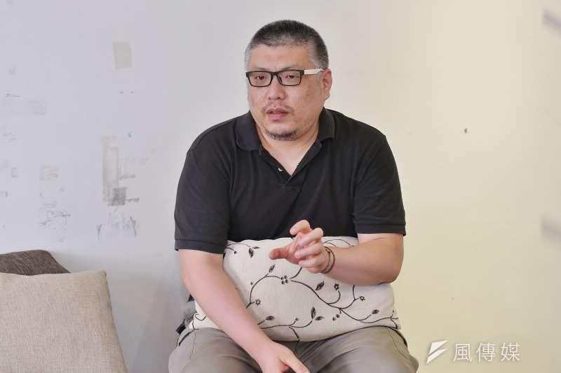 20200511-《千年一問》監製王師接受《風傳媒》採訪。(盧逸峰攝)
