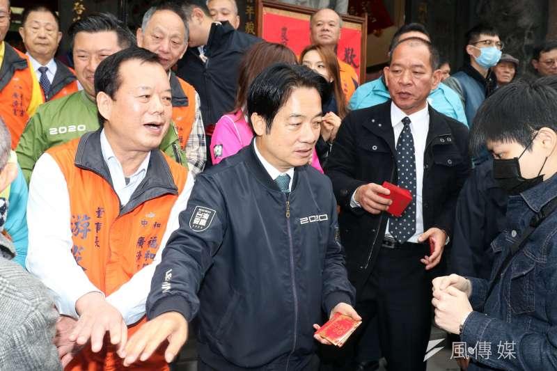 20200520-副總統賴清德(左二)20日上午宣誓就職,貼身隨扈黃建富(右二)也成為副總統維安團隊一員。(資料照,蘇仲泓攝)