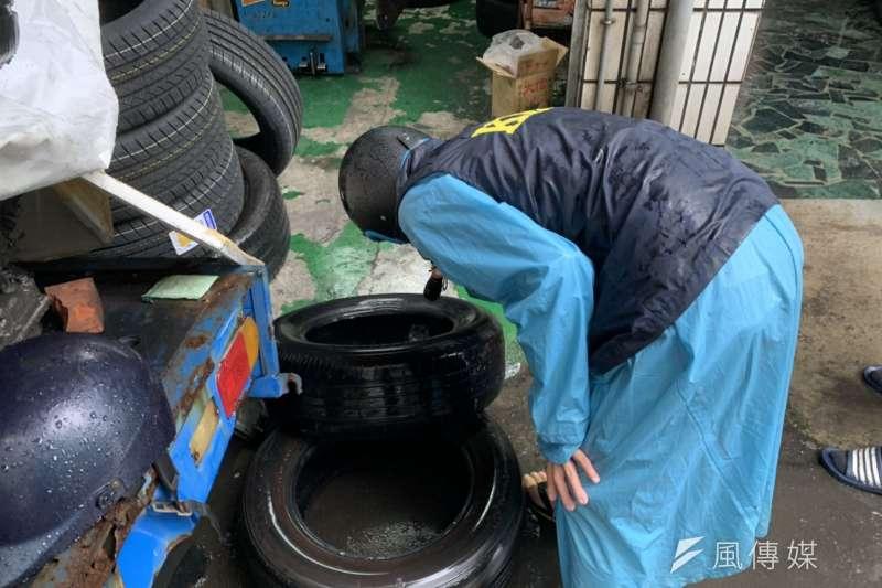 美國商務部宣布將對台灣出口的乘用車與輕型卡車輪胎課反傾銷稅,稅率介於52.42~98.44%。有藥師就質疑,台灣都已經進口萊豬了,為何美國仍對台課重稅?示意圖,與當事人無關。(資料照,徐炳文攝)