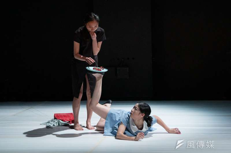 20200529-兩廳院大數據專題配圖-河床劇團2019年戲劇作品《無眠夜的微光》。(河床劇團提供,攝影:張震洲)