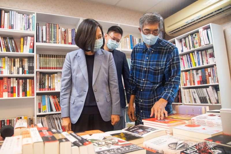 為聲援香港民主,民進黨客家事務部銅鑼灣書店合作,將在21日至8月26日,在高雄、屏東、苗栗及新竹舉辦一系列「銅鑼灣巡迴書展」。(資料照,台北市攝影記者聯誼會提供)