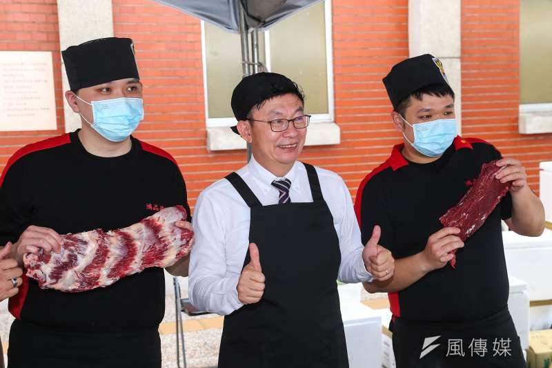20200529-民進黨立委郭國文29日出席「吃好牛來台南」活動,推銷台南道地美食牛肉湯 。(顏麟宇攝)