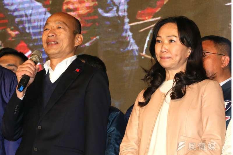 面對罷韓投票,韓國瑜妻子李佳芬(右)始終沒有公開出手。(柯承惠攝)